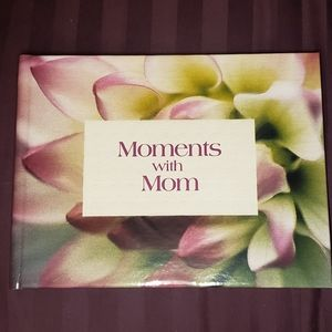 "Hallmark ""Moments with Mom"" Keepsake Journal"